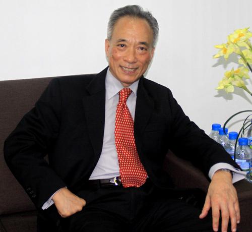 Nguyễn Chí Hiếu Người lập ngân hàng Việt đầu tiên ở Mỹ